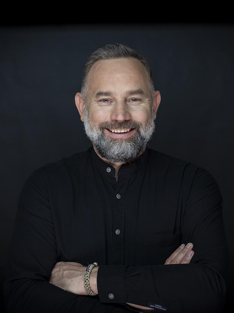 Dr Bartosz Cerkaski