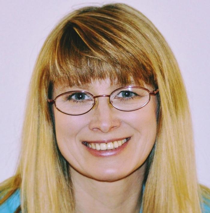 Dr Beata Hołówko